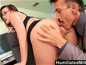 HumiliatedMilfs Jennifer milky arched Over