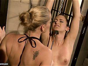 Kathia Nobili smacking a hotty babe on the face