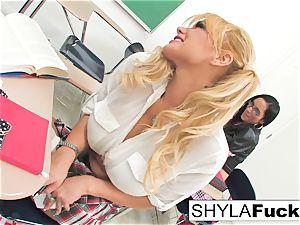 college girl Shyla Gets porked