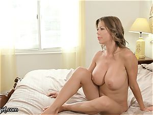 MommysGirl Step-Daughter Spied Alexis Fawx spurting
