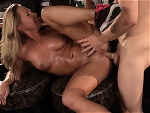 Barmaid Carter Cruise plows her boss at work