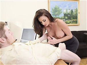 Silvia Saige opens up her minge in the office