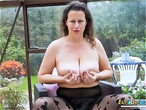 EuropeMaturE super-hot busty Solo gal toying Alone