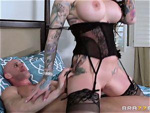 Darling Danika pays her insatiable neighbor a visiti