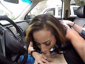 Teanna Trump enjoys some inter car hook-up