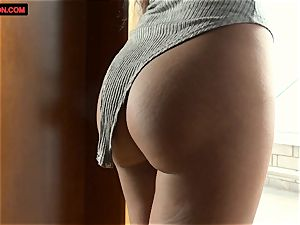 Alice Peterson mastubates super-fucking-hot and moist