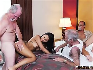 elder guy youthfull mega-bitch Staycation with a mexican hotty
