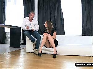 amateur Alice Gets Her rump smashed on the casting