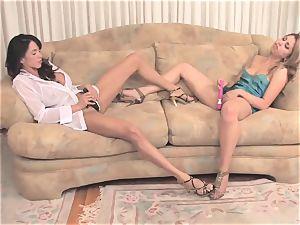 Ariella Ferrera dildoing with her gf