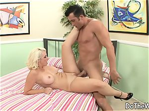wife Mandy sweet screwed in Front of cuckold