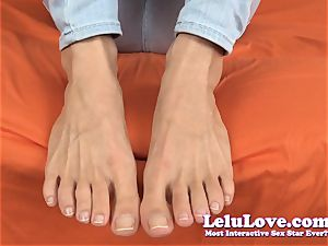 My barefoot natural toes and screws with feet and foot..
