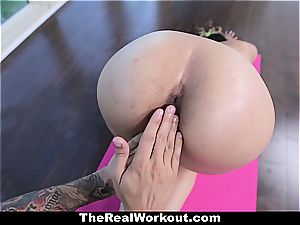 youthfull Latina coochie opened up out during exercise