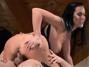 HITZEFREI German milf boinked hard by a younger dude