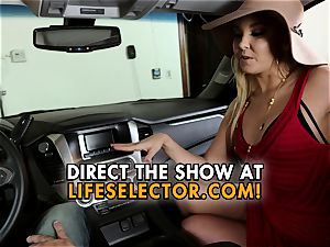 talkative cougar Aaliyah enjoy gives a oral pleasure in your car