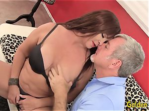 Mature Hoochie Isabelle enjoy Is boned by a Goateed man