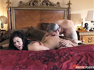 London Keyes smashed in her tastey slit pudding by the anchor man