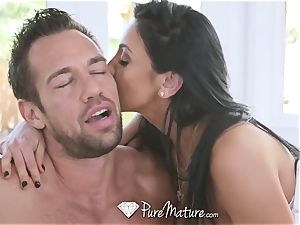 PureMature Golf lecturer poke with mature Audrey Bitoni