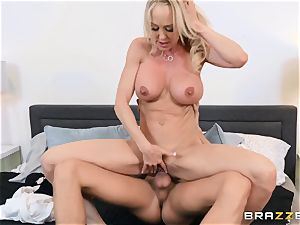 Brandi love smashed in her moist vagina