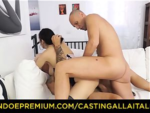 audition ALLA ITALIANA - warm cougar has dual anal fun