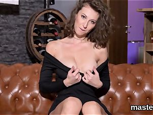 warm czech kitty gapes her tight muff to the weird