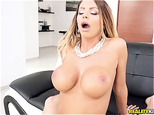 sizzling cougar picks up a young dude