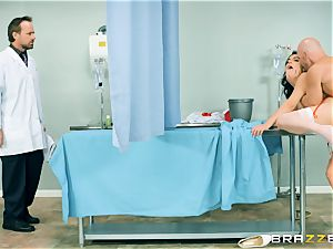 super-naughty nurse Valentina Nappi has her needs