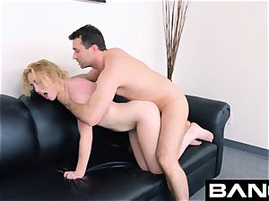 poke casting: first-timer Bonnie Grey widely opened muff cum cockslut
