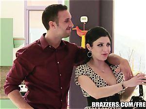 Brazzers - Sativa Rose - banging Newlyweds!