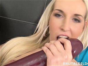 Lilith Lee gapes Jenny Simons cootchie with enormous dildos