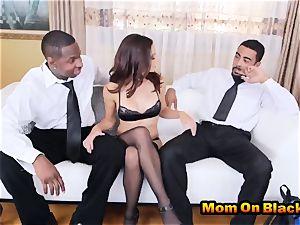marvelous milf Eva lengthy deepthroats two black boners And screws In interracial three way