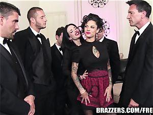 Brazzers - Veronica & Bonnie - six guy gang-fuck