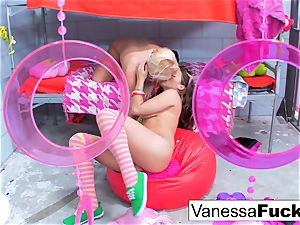 huge-chested Natasha adorable ravages Vanessa cage